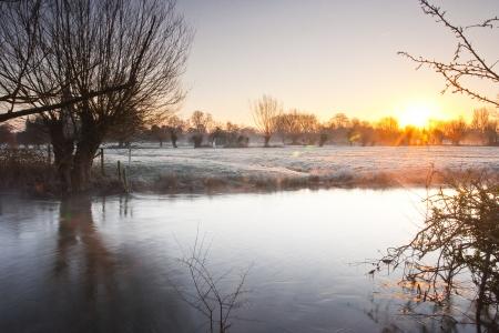 De rivier de Avon stroomt door Salisbury, Engeland.