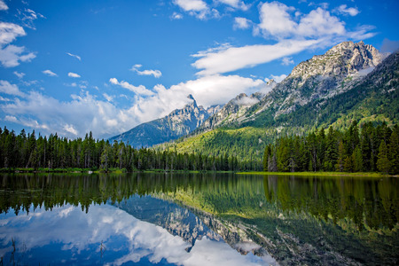 Beautiful String Lake Mountain Landscape near Jackson, Wyoming, USA 스톡 콘텐츠