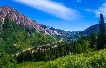 Sommerzeit in Little Cottenwood Canyon in den Wasatch Range der Rocky Mountains, Utah.