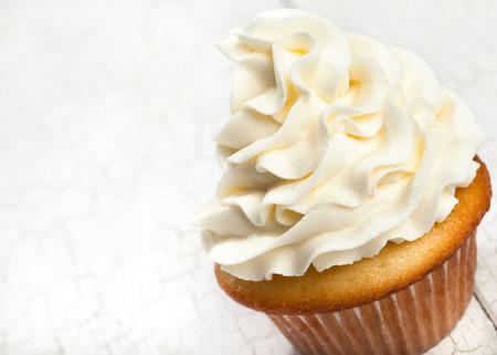 Vanille-Kuchen Standard-Bild - 57170231