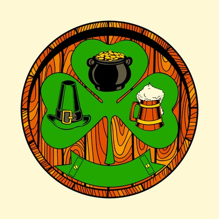 wooden hat: Round wooden shield with shamrock. Clover, hat, beer.