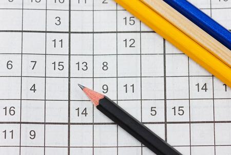 Ordinal: Kreuzwortr�tsel Sudoku und Bleistifte, beliebten Puzzle-Spiel mit Zahlen