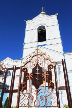 Beautiful Russian village church Stock Photo - 14929841