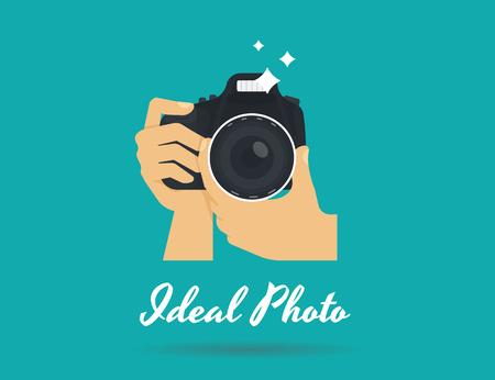El fotógrafo manos con el icono de la cámara o de la plantilla. Ilustración plana de la cámara de imagen lente macro fotografía con flash y texto foto ideales