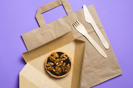 Concepto de comida para llevar, embalaje de papel ecológico, vista superior