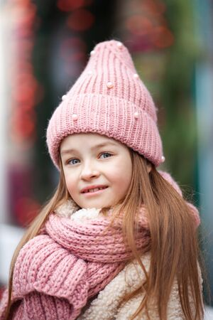 cute girl in winter clothes Zdjęcie Seryjne