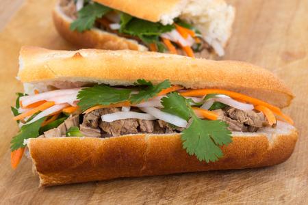 dikon: Bahn Mi sandwich de cerdo vietnamita