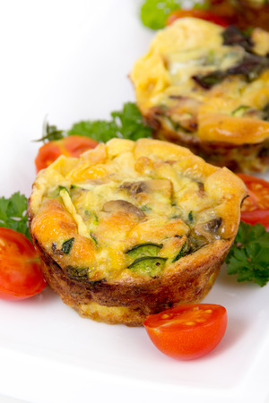 egg muffin cup dinner quiche and omelet style with mushroom and pepper Imagens