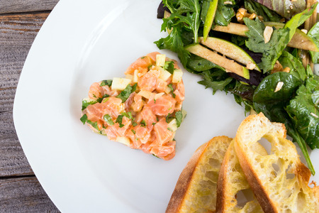 salmon and granny smith apple tartare