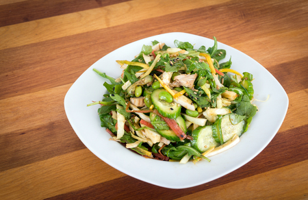 oriental chicken fresh salad bowl with cabbage and edamame Imagens - 99670150