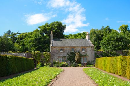Garden with old cottage in Scotland, Ayrshire Stock Photo - 7236548