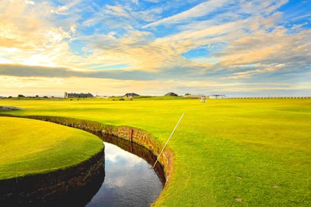 Golf course,Swilcan Bridge, St Andrews Stock Photo - 7332539
