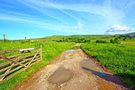 Yorskshire Dales on a beautiful suny day Stock Photo - 14306149