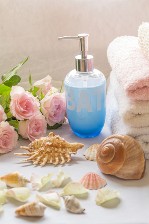 cleaness: Bath arrangement with romantic pink roses