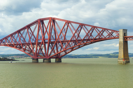 stricture: Forth Bridge, Queensferry near Edinburgh, Scotland