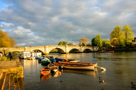 Richmond Bridge, Thames River, Richmond, London, UK 写真素材