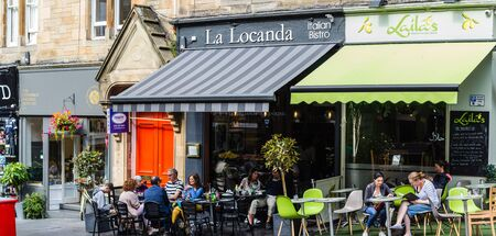Edinburgh, Scotland, 27 August, 2019. Tourists visiting historical Cockburn Street, Old Town Stock fotó
