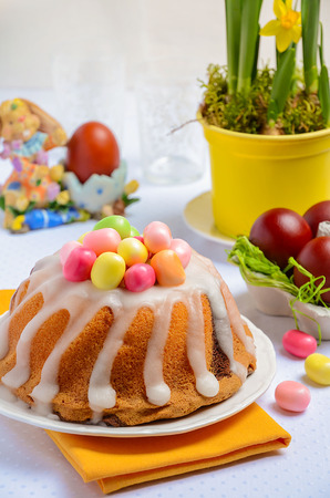 Easter table. Easter cake and eggs.