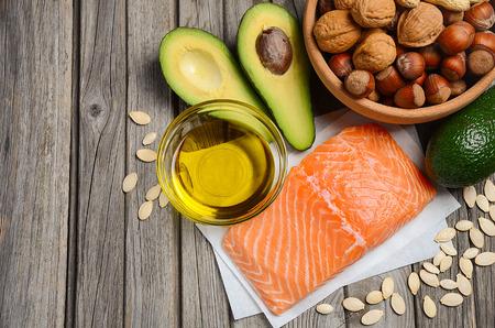 Auswahl von gesunden Fettquellen.