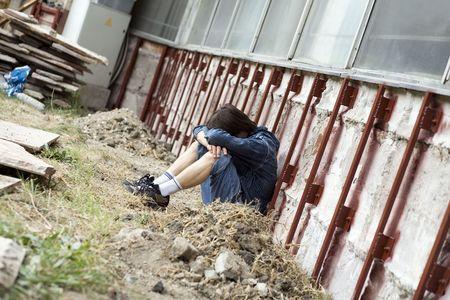 waif: Teenager alone at city
