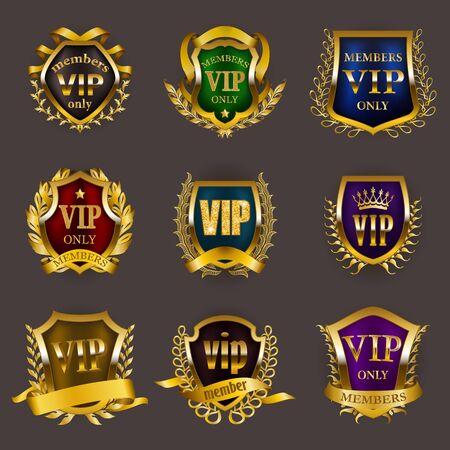 Satz goldener VIP-Monogramme für Grafikdesign auf grauem Hintergrund. Eleganter königlicher Rahmen, raffinierter Rand, Lorbeerkranz, Band im Retro-Stil für Einladung, Clubkarte, Symbol. Vektor-Illustration