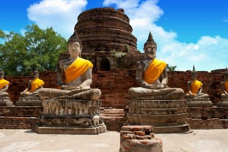 stupendous: Ayutthaya Buddha statue