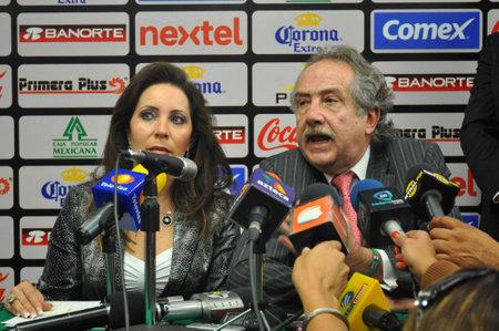 mx: LEON GUANAJUATO, MEXICO-OCTOBER 18:Decio de Maria, president of liga MX and Barbara Botello, Mayoress of Leon Gto. offer a press conference to end violence in soccer,  October 18 2012 at ESTADIO LEON.