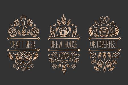 Bier, ambachtelijke brouwzaal schets doodle collectie, vector hand getekend label elementen. vat, mok, tarwe, hop plant, fles, blad, worst, pretzel. Oktoberfest traditionele gerechten en attributen. zwarte achtergrond