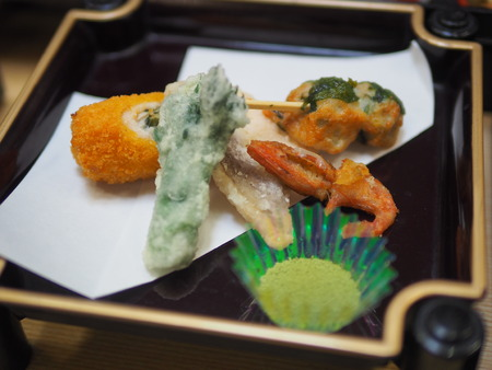 style: Japanese style food, fried vegetables