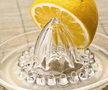 lemon squeezer cut on natural base