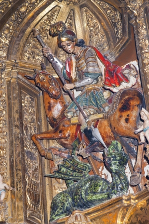 retablo: Imagen de madera tallada. Pertenece al retablo barroco de la iglesia de San Jorge en Tudela, Navarra Editorial