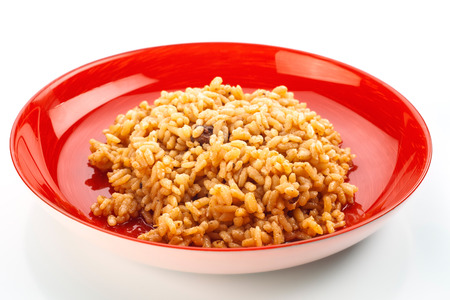 freshly cooked: freshly cooked rice on red dish