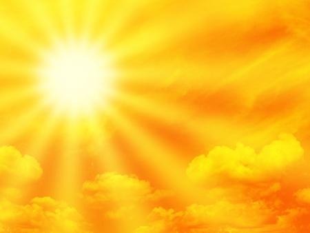 sol radiante: Cielo naranja dram�tico y rayo de sol.