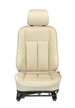 asiento coche: Asiento de coche aislado sobre fondo blanco