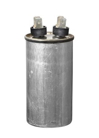 Motore di avviamento della marcia del condensatore (con percorso di ritaglio) isolato su sfondo bianco