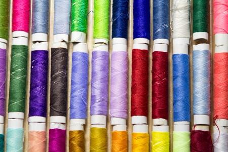 naaigaren withe verschillende kleuren