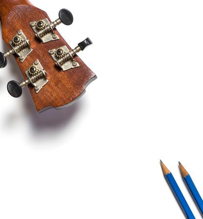 music lyrics: Guitarra y lápices de escritura de la canción