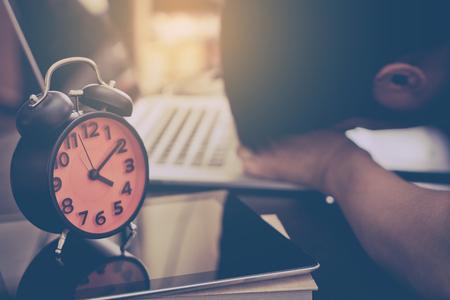 Freelancer slaagt er niet in om zijn werk binnen de deadline af te ronden