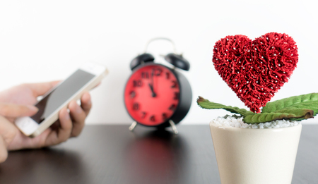 blind date: Dating Love Call on smart phone concept