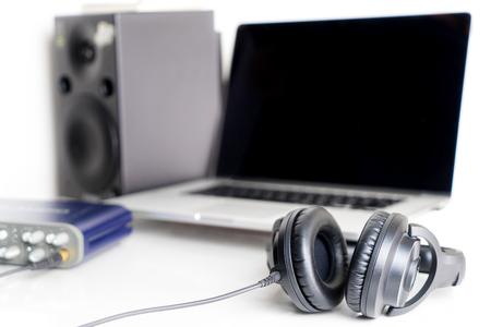 Black Music Studio headphone on Music desktop Studio Reklamní fotografie