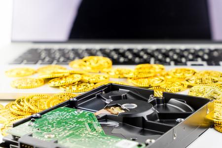 コンピューター、デバイス上の貴重なデータは金の概念