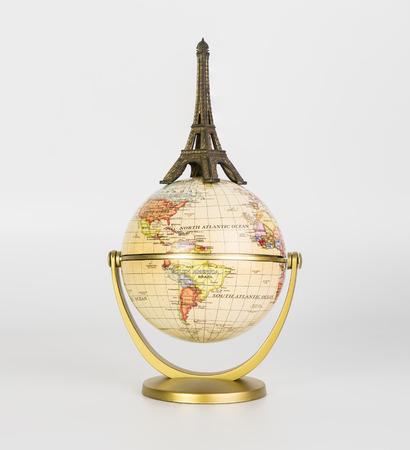 세계 여행 개념의 상단에 에펠 탑