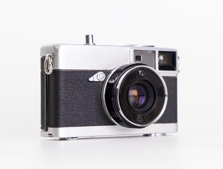 白で隔離ポータブルヴィンテージフィルムカメラ