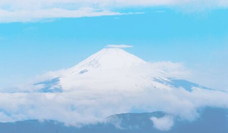 Close up top view of Fuji mountain with snow cover with could Stok Fotoğraf