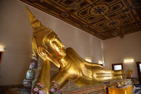 reclining: Reclining Buddha Editorial