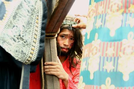 reenact: Devotos cat�licos recrean la muerte de Jesucristo en Cainta, Rizal, Filipinas el viernes santo