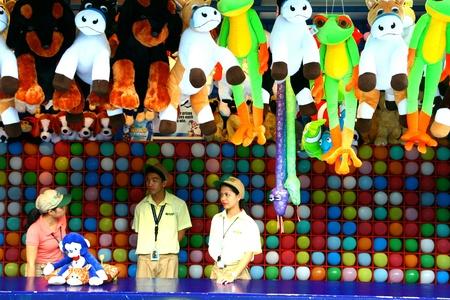 theme park: Theme park or amusement park games