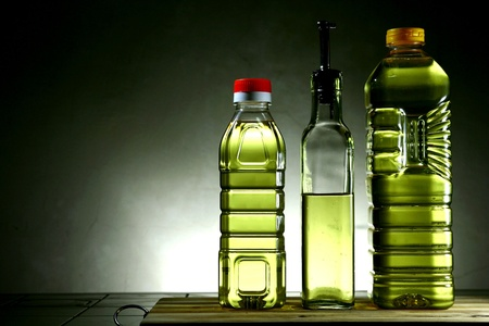 cooking oil: Cooking oil in bottles