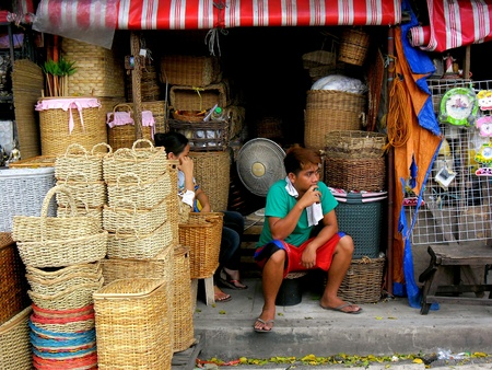 vend: Store selling wooden baskets in dapitan arcade, manila, philippines Stock Photo