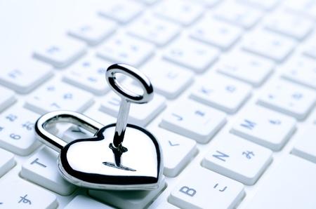 ハート形のキーのキーボード